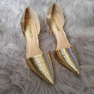 Gorgeous gold liliana heels
